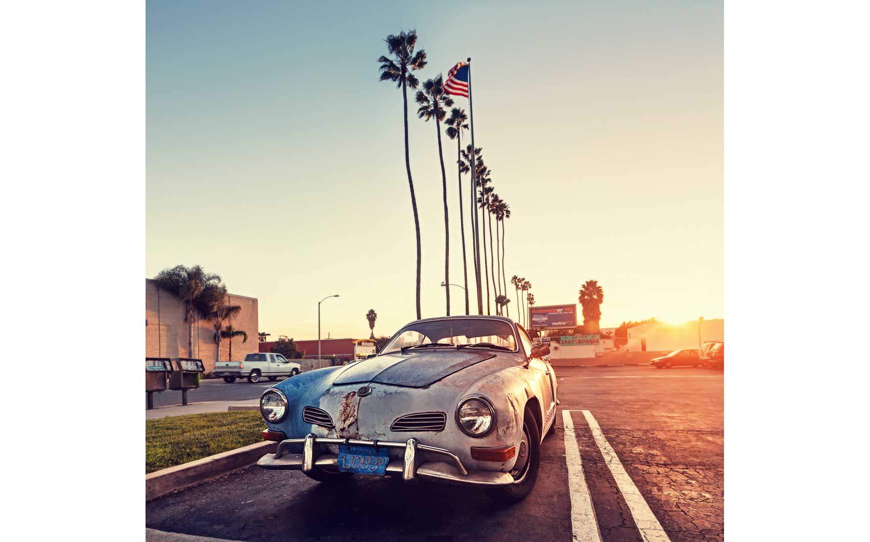 Vintage-car-sunset-los angeles-boulevard-volkswagen-route 66